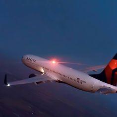 Night Flight - Delta B737-900