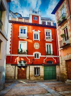 La Plazuela de San Javier es  la plaza más pequeña de Madrid.     Madrid de los Austrias.