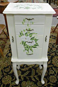 20+ Wonderful Floral Painted Dresser Inspirations