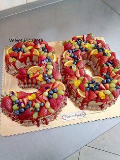 A daľšia tortička v tvare čísla....čokoládovo maková 30-tka...všetko naj prajem...