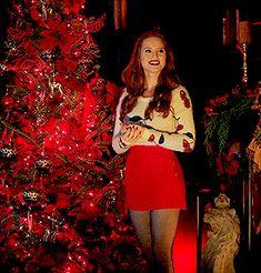 Cheryl Blossom Riverdale, Riverdale Cheryl, Madelaine Petsch, The Cw, Redhead Characters, Cheryl Blossom Aesthetic, Riverdale Fashion, Riverdale Aesthetic, Ginger Girls