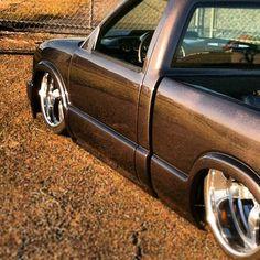 Chevy S10 raceline wheels grey chrome polished slammed tucked Bagged Trucks, Lowered Trucks, Mini Trucks, Chevy Trucks, Lowriders Cars, Grounded For Life, Drift Truck, S10 Truck, Lowrider Trucks