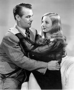 "Alan Ladd and Veronica Lake, 1942. Paramount. Publicity shot for ""THE GLASS KEY."""