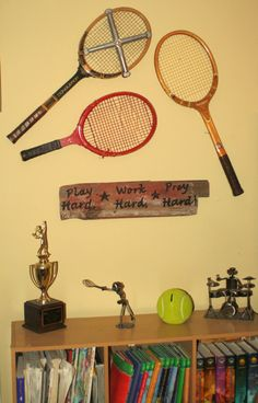 Boys Bedroom for tennis players. but in soccer!
