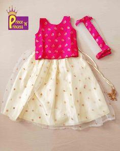 Baby Girl Dress Design, Girls Frock Design, Kids Frocks Design, Baby Frocks Designs, Kids Lehenga Choli, Ghagra Choli, Stylish Dresses For Girls, Dresses Kids Girl, Baby Girl Lehenga