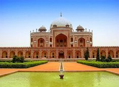 Humayun's Tomb, resting place of the Mughal dynasty