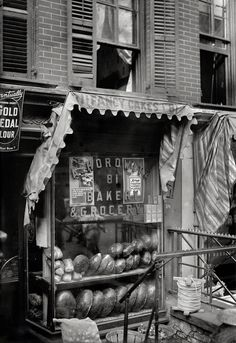 Lower East Side New York ca. 1910  Photo: George Grantham Bain Collection