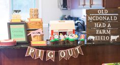 CUTE! Farm Theme Birthday Party for kids. Easy ideas here to replicate for a cute little down on the farm birthday party!