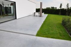 Beton it Moorslede referenties op www checken Garden Floor, Terrace Garden, Outdoor Landscaping, Outdoor Gardens, Concrete Backyard, Garden Inspiration, Beautiful Gardens, Exterior Design, Garden Design