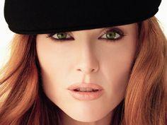Julianne Moore -great redhead makeup