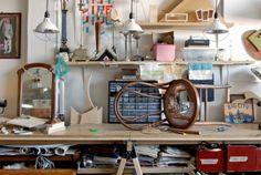 Designer reforma e distribui móveis descartados em gratidão a NY Nerd, Otaku, Geek