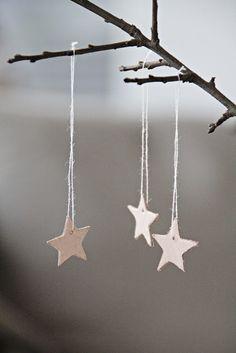 Christmas | Xmas | Jul | Noel. DIY: Natural Decoration. Garland. Leather Stars
