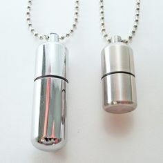 Teeny plus léger collier-plus petit que vous trouverez par YOUgNeek