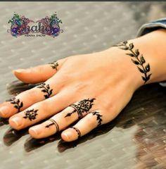 Tattoo Set, Henna Designs, Hand Henna, Hand Tattoos, Wedding Styles, Armadillo, Arm Tattoos, Wedding Outfits