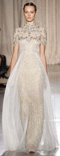Marchesa Spring 2014 - This is Lovely! Fashion Moda, Fashion Week, Beautiful Gowns, Beautiful Outfits, Couture Fashion, Runway Fashion, Couture Dresses, Fashion Dresses, Glamour Moda