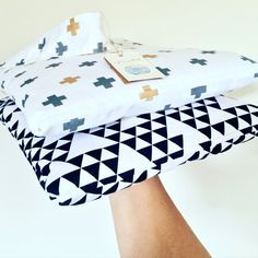 A great travel accessory for babies and kids on the move.  This versatile travel quilt can be used as a blanket, pillow, carry bag or baby play mat.  Perfect companion for road trips, flights, picnics, pram rides, sleep overs, cots and much more!  100% cotton and premium cotton flannelette with light bamboo padding. Super light-weight for travelling (under 500grams) and fully machine washable.