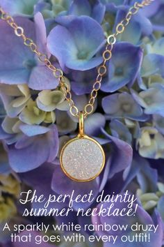 I need this for every summer outfit! Easy dainty necklace that will match everything and add a little sparkle! Nail Jewelry, Cute Jewelry, Jewelry Crafts, Jewelry Box, Jewlery, Dainty Necklace, Gold Necklace, Pendant Necklace, Christmas List 2016