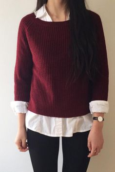 Weekend Style / Loose fitting, Burgundy Sweater.