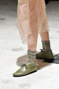4221e0e691c Comme des Garçons Fall 2009 Ready-to-Wear Collection - Vogue Calzas