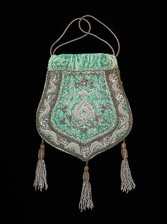 Silk and metal evening bag made in France, 1915