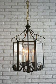 14,800円 (税込)  アンティーク 多面ガラス3灯吊り下げランプ