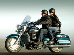2008 Triumph Rocket III Touring Review - A Review of the 2008 Triumph Rocket III Touring Motorcycle