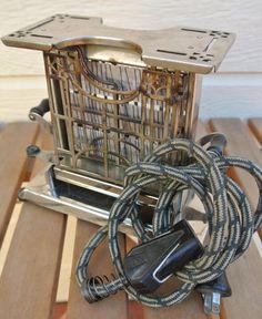 Vintage Toaster Universal Landers Frary by DomesticTitanVintage
