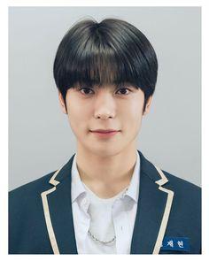 "@jaehyunsdaily on Instagram: ""127214 JEONG JAEHYUN CT High School - Grade 1, Class 27 🏷 #재현 #JAEHYUN #ジェヒョン #NCT재현 #NCTJAEHYUN…"" Indie Boy, Id Photo, Polaroid Pictures, Jung Yoon, Jung Jaehyun, Nct Taeyong, Jaehyun Nct, School Pictures, K Idol"