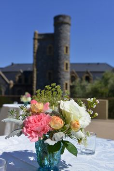 flowers by Fantasy Florals, venue: San Francisco Theological Seminary