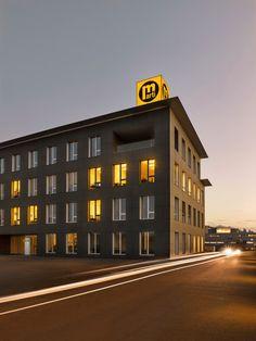 ArchitekturfotografieMarti AG Hauptgebäude, Dämmerungsaufnahme Multi Story Building, Real Estates, Architecture