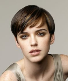 short brown straight coloured page boy hairstyles for women