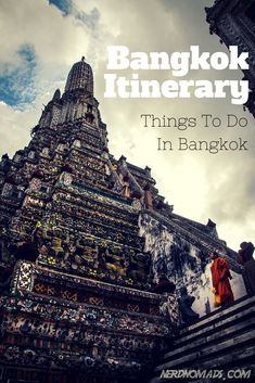 The amazing Wat Arun/ Temple Of The Dawn In Bangkok. Check out what else you should not miss when heading to Bangkok - Our Three Day Bangkok Itinerary: http://nerdnomads.com/what-to-do-in-bangkok
