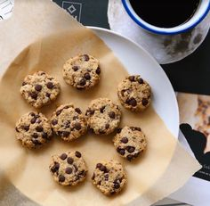Healthy food that's also good food? Where do we sign? These #skincleanse cookies by @tallulahalexandra make us wanna cry. You know, in a good way. #feedyourskin 🍪🍪🍪