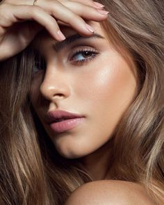 modelsmundo Bridget Satterlee ( photographed by Julia Kuzmenko McKim ( Raoul Alejandre ( Makeup Artist: Ernesto Casillas ( Agencies: Beauty Make-up, Beauty Shoot, Hair Beauty, Beauty Hacks, Girl Face, Woman Face, Bridal Makeup, Wedding Makeup, Beauty Photography