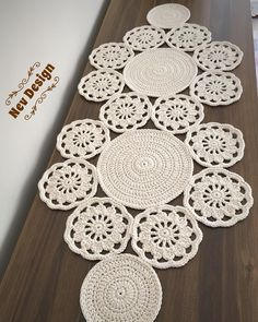 Study In Circles Crochet Motif Table Runner Pattern Crochet Table Runner, Table Runner Pattern, Crochet Tablecloth, Crochet Doilies, Crochet Yarn, Hand Crochet, Crochet Stitches, Crochet Decoration, Crochet Home Decor