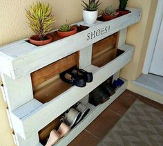 s 17 incredible pallet ideas that took barely any effort, pallet, Put one by a wall for instant shoe storage