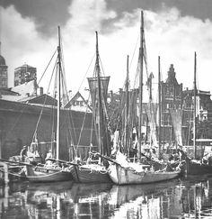 Tyske drivkvaser i Stralsunds Querkanal, 1950. Kilde: Timm Stütz, Erlebniswelt Zeesenboote, Hamburg 1997.