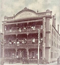 The People's Palace at 131 King St, Melbourne, year unknown Melbourne Suburbs, Melbourne Cbd, Melbourne Victoria, Victoria Australia, Melbourne Australia, Form Architecture, Australian Architecture, Old Pictures, Old Photos