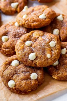 White Chocolate Pumpkin Snickerdoodles SO perfect for a Fall feast! A cup of coffee, a pumpkin snickerdoodle, and a comfy chair. Mini Desserts, Just Desserts, Delicious Desserts, Yummy Food, Baking Recipes, Cookie Recipes, Dessert Recipes, Oreo Dessert, Pumpkin Cookies