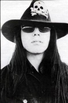 MAÑANA DE BLUES Y ROCK de lunes a Viernes en la radio. Visita www.radiodelospueblos.com y escúchanos por internet !!!  Ian Astbury, The Cult