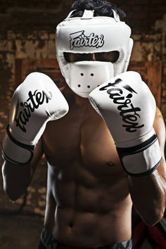 Genuine fairtex brand new micro fiber boxing gloves white color Boxing Fight, Boxing Gym, Mma Boxing, Boxing Workout, Boxing Gloves, Mma Gear, Muay Thai Training, Gymnastics Gym, Weight Training Workouts