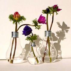 Bulb+lamp+vase+for+flowers.jpg (400×400)