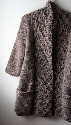 Every so often I come across a pattern like this one that I just can& get out of my head & The beautiful sweater seen seen here was knit by Cindy (aka Gussie on Ravelry). This design i& astor Pattern Astor by Norah Gaughan Ravelry: gussie's astor using 1 Knit Cardigan Pattern, Sweater Knitting Patterns, Easy Knitting, Knitting Designs, Knit Patterns, Knitting Projects, Knitting Stitches, Designer Knitting Patterns, Sock Knitting