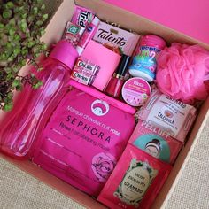 Diy Best Friend Gifts, Cute Gifts For Friends, Birthday Gifts For Best Friend, Bff Gifts, Ideas For Birthday Gifts, Pink Gifts, Cute Birthday Gift, Birthday Gift Baskets, Birthday Box