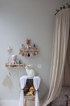 Sarah_bendrix_avas_dreams_molly_meg_canopy_kids_bedroom