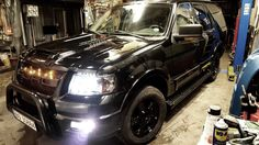 Ford Expedition with Raptor Grill all the way from Norway 1st Expedition with Raptor grill Custom..