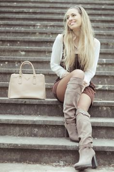 So Vintage Grey Boots, Long Boots, Knee High Boots, Fashion Models, White Jeans, Beautiful Women, Long Hair Styles, Lady, How To Wear