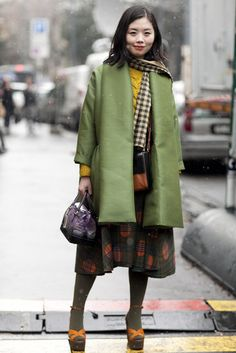 Ciao, Bella! A Lesson in Street Chic Straight From Milan Fashion Week: A sweet mix of color and ladylike proportions.