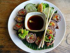 Chi ha Voglia di #Sushi oggi? Tagga la Persona più #sushiaddicted di #Milano che conosci al resto ci pensiamo Noi! Link in Bio  #sushitime #sushimaster #sushilovers #sushimilano #firstpost #milanocity #milanodavedere #salmon #sushi #dinner #instafood #foodie #foodporn #foodstagram #instadaily #motiviert #lecker  Credit: @lovefromcass  by sushi_masterchef