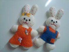 casal de coelhos...imã ou chaveiro por Flor de Algodão